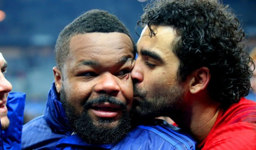 Yoann Huget celebrates with Mathieu Bastareaud 7/2/2015